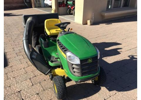 D 100 John Deere riding lawn mower